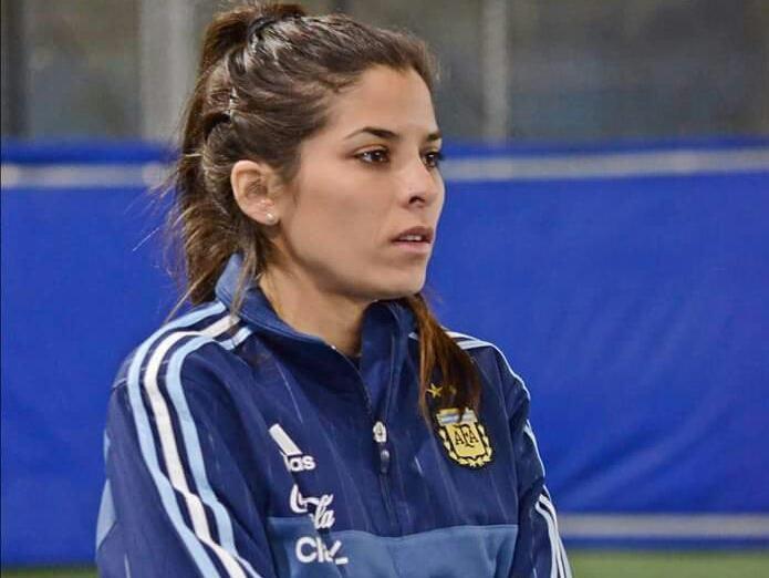 El seleccionado argentino de futsal femenino cuenta con una tandilense en  su cuerpo técnico. Es Ailén Habarna a1644cd740199
